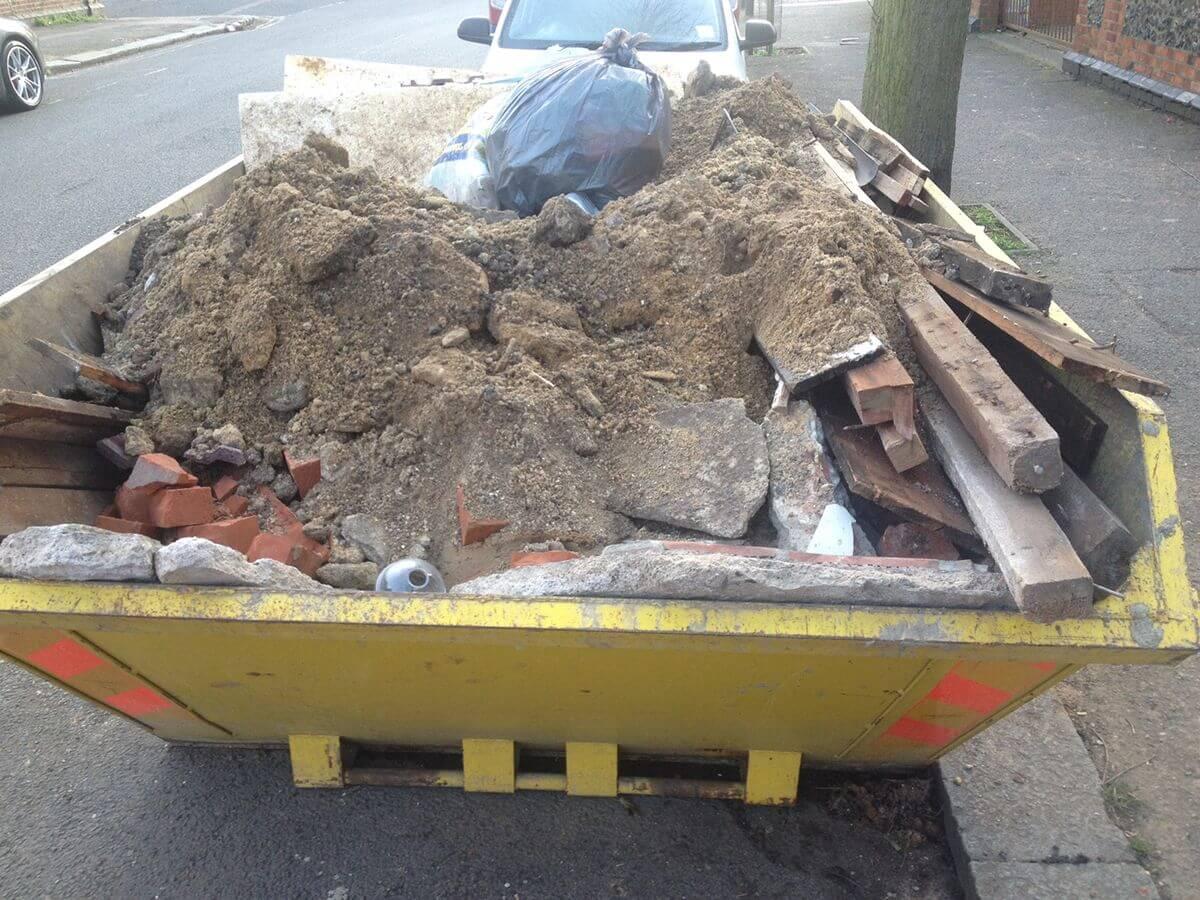 kontener na śmieci remontowe